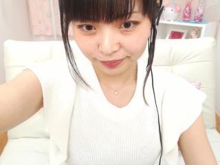 まり(^^♪ちゃんの無料ライブチャット動画を見る