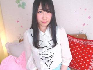 〜みのり〜ちゃんの無料ライブチャット動画を見る